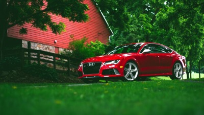 Красный Audi RS7 обои и фото